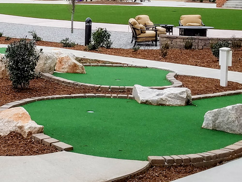 custom putting courses